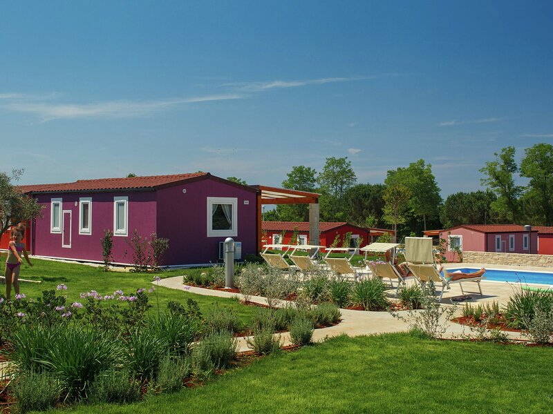 Comfortable chalet with 2 bathrooms and WiFi, 8 km from Umag, holiday rental in Karigador