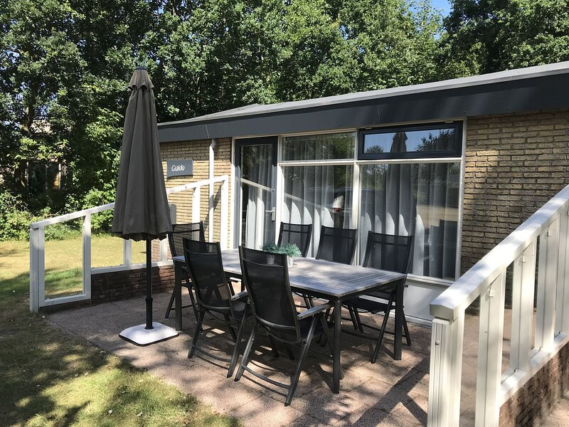 Secluded Holiday Home in Ballum Frisian Islands with Terrace, holiday rental in Nes