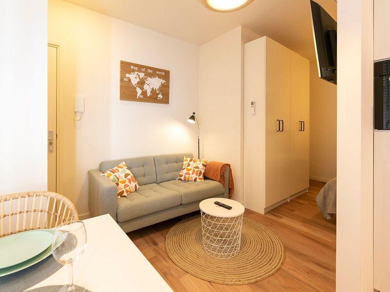 Snug Apartment in Den Haag near Holland Casino, holiday rental in Leidschendam