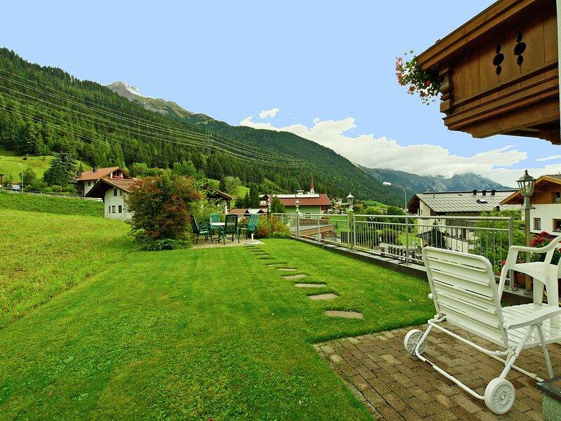 Lovely Apartment in Sankt Anton am Arlberg near Ski Area, holiday rental in St. Christoph am Arlberg