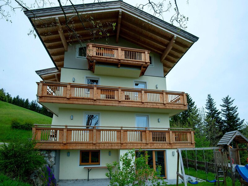 Beautiful Apartment in Oberau with Balcony, holiday rental in Angerberg