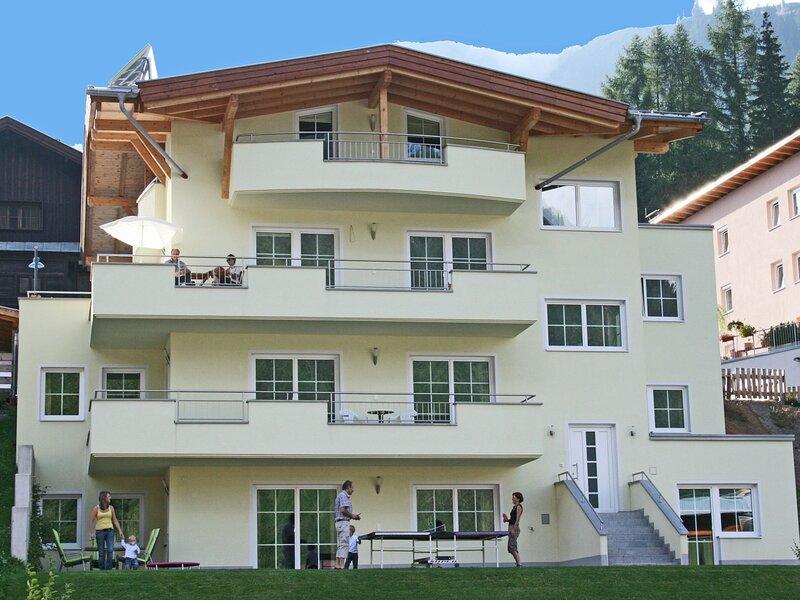 Wonderful Apartment in Sankt Anton am Arlberg with Balcony, location de vacances à Lech