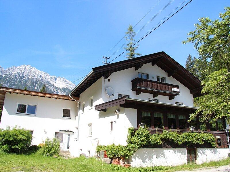 Holiday Home in Scheffau am Wilden Kaiser with Roof Terrace, aluguéis de temporada em Schwoich