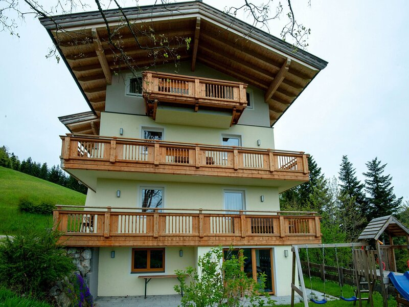 Classy Apartment in Oberau with Balcony, holiday rental in Angerberg