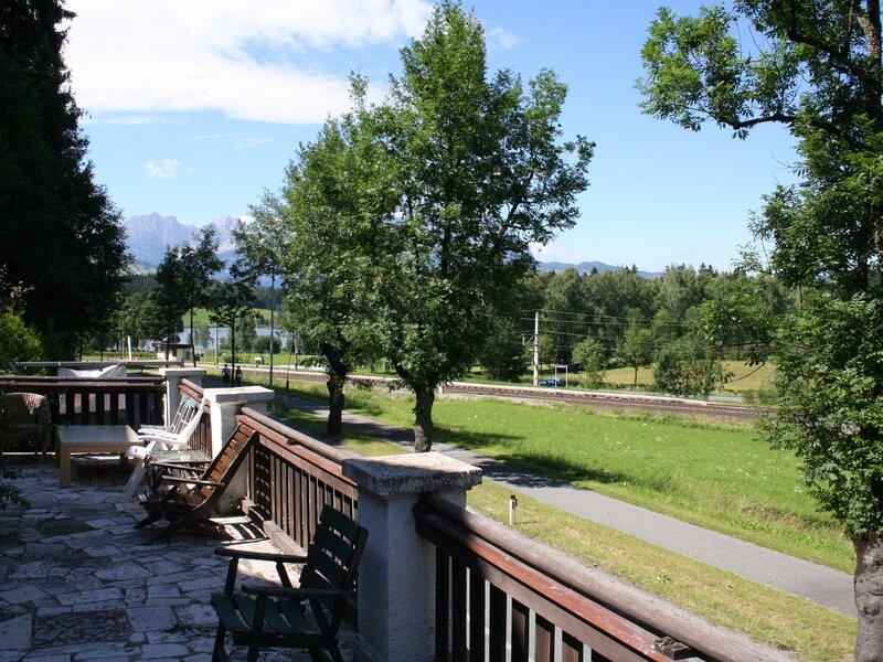 Spacious Apartment in Kitzbühel with Garden, holiday rental in Kitzbuhel