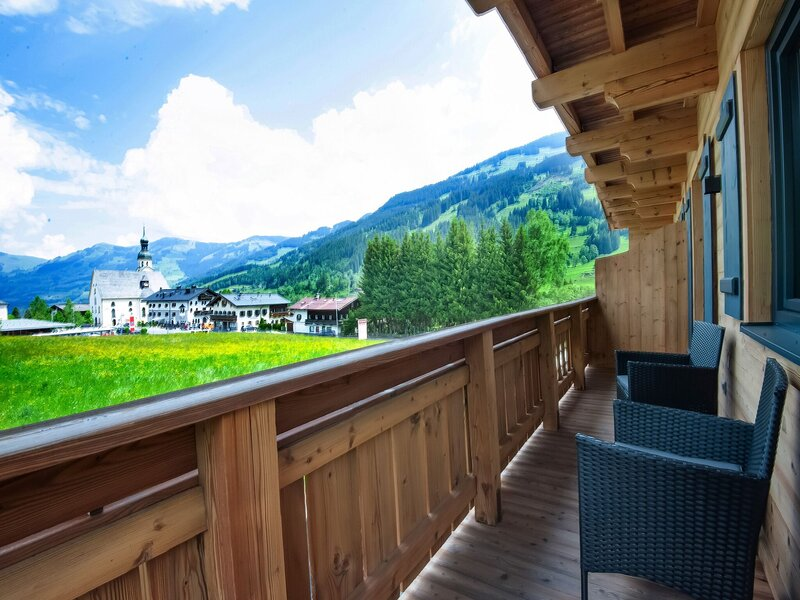 Pleasant Apartment in Jochberg with Balcony, holiday rental in Aurach bei Kitzbuehel