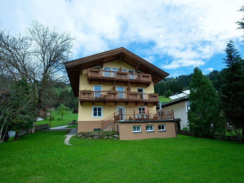 Wonderful Apartment in Brixen im Thale, holiday rental in Moosen