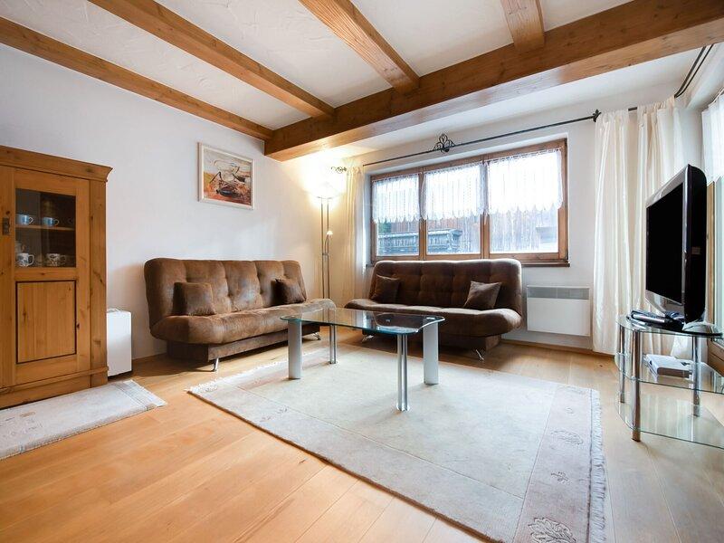 Beautiful apartment in Kitzbuhel with a garden, holiday rental in Aurach bei Kitzbuehel