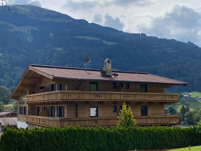Pleasant Apartment in Jochberg with Terrace, holiday rental in Aurach bei Kitzbuehel