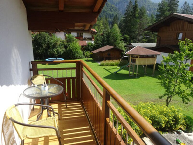 Blissful Apartment in Sankt Ulrich am Pillersee with Balcony, holiday rental in Sankt Martin bei Lofer