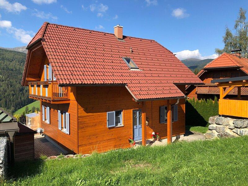 Snug Holiday Home in St. Wolfgang-Kienberg near Ski Lift, holiday rental in Pols