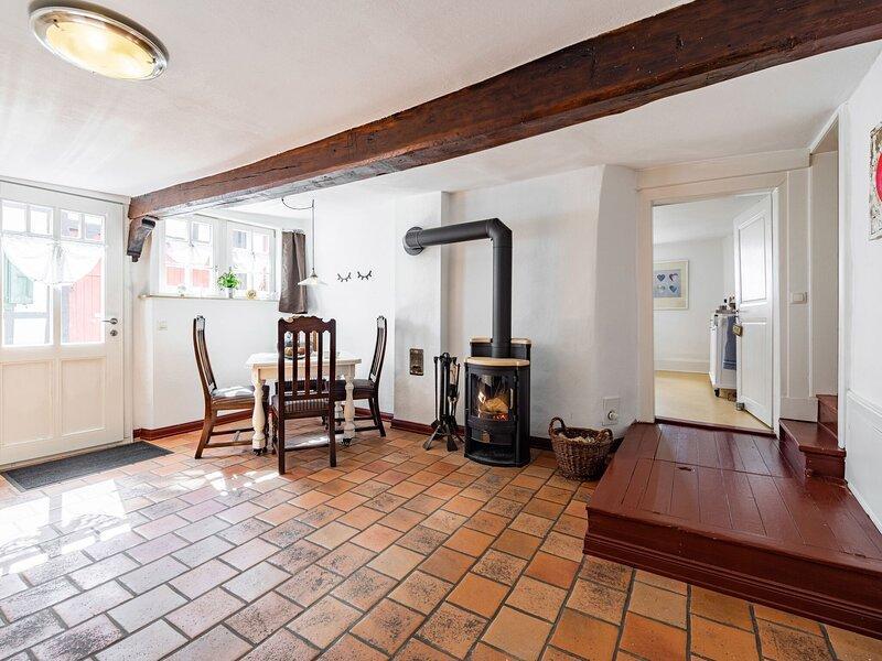 Charming Holiday Home in Schleiden near Eifelsteig, holiday rental in Nideggen
