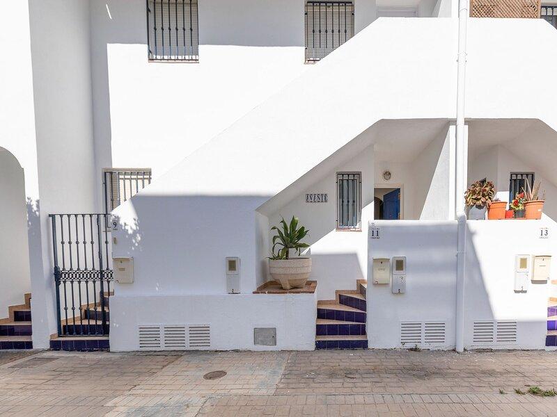 Alluring Holiday Home in Andalucía with Garden, vacation rental in Pozo de los Frailes