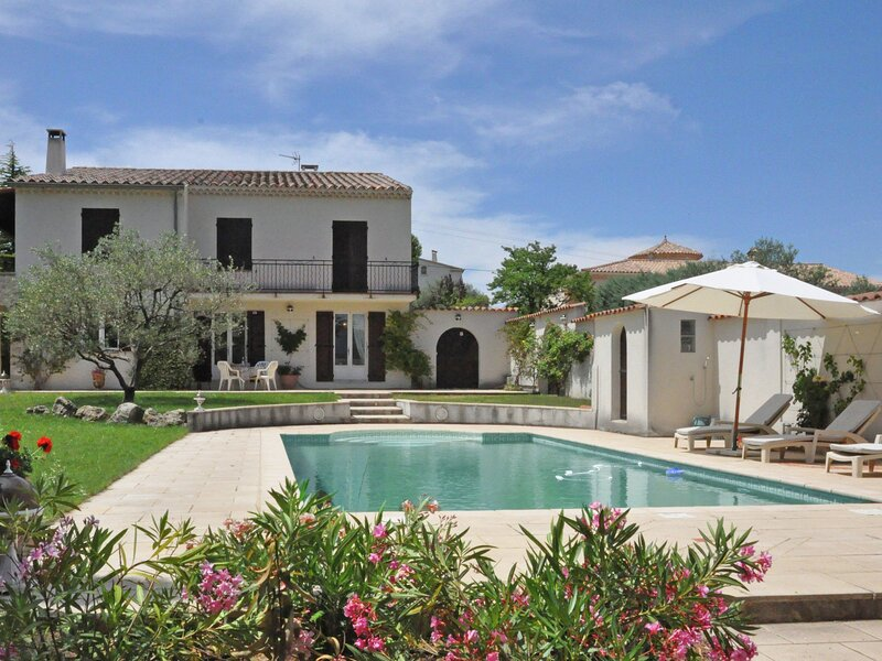 Villa with private pool and splendid view on the Mont Ventoux, holiday rental in Mirabel-aux-Baronnies