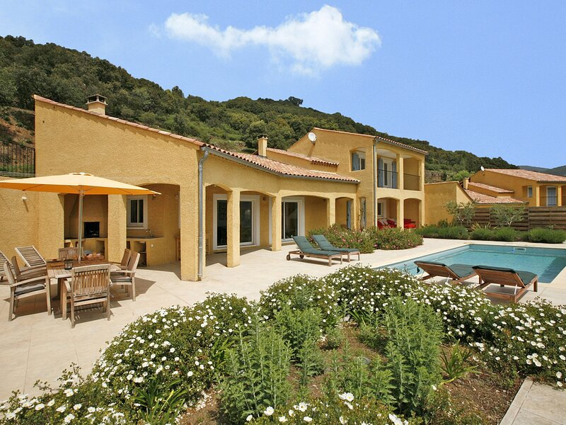 Exotic Holiday Home in Ceps with Private Pool, casa vacanza a Premian