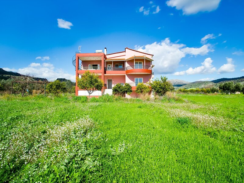 Secluded Apartment in Astakos near the Sea, holiday rental in Mitikas