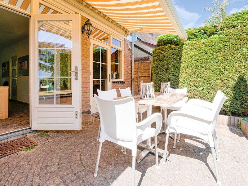 Lovely Holiday Home in Alkmaar with Private Terrace, aluguéis de temporada em Hensbroek
