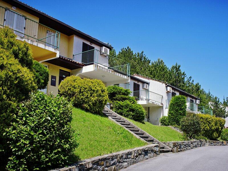 Beautiful Apartment In Portorož With Swimming Pool, casa vacanza a Strunjan