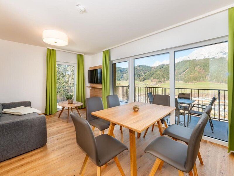 Blissful Holiday Home in Schladming Rohrmoos with Balcony, holiday rental in Rohrmoos-Untertal