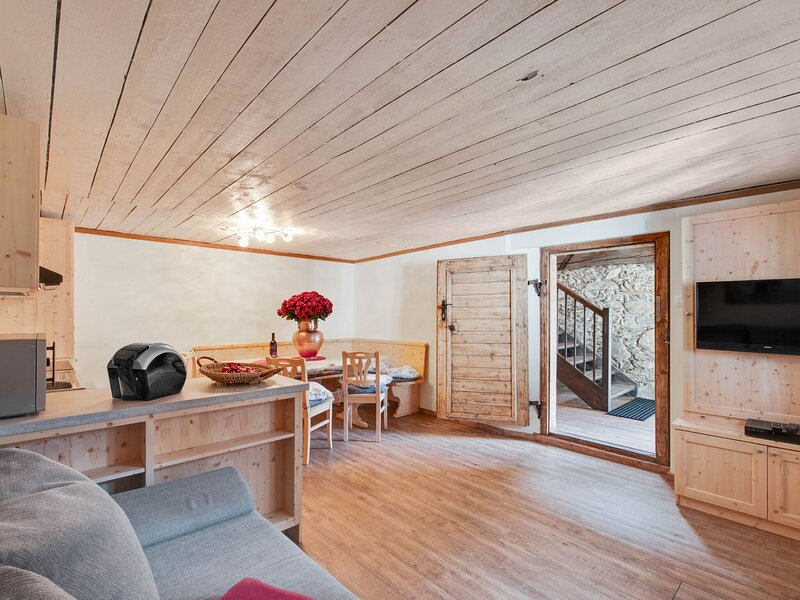 Restful Holiday Home in Bad Kleinkirchheim near Skiing Area, alquiler vacacional en Radenthein
