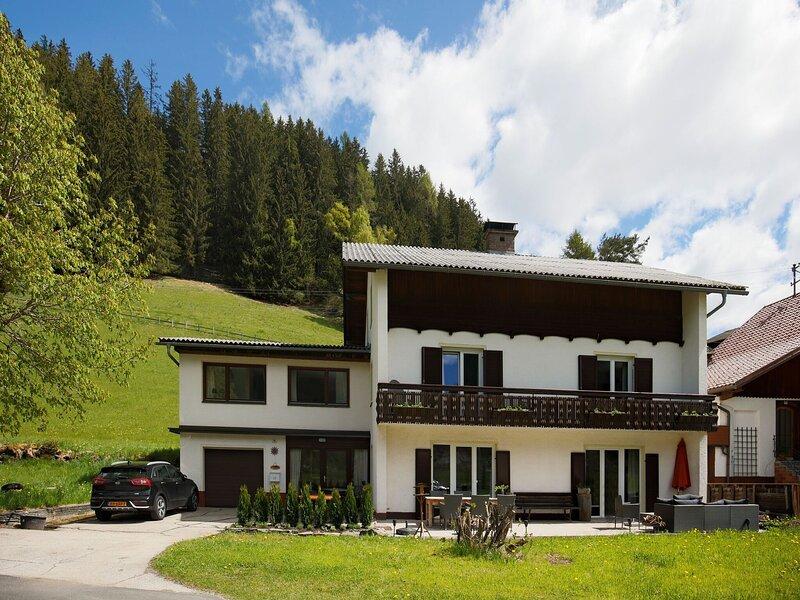 Beautiful Apartment in Patergassen near Ski and Hiking Areas, holiday rental in Ebene Reichenau
