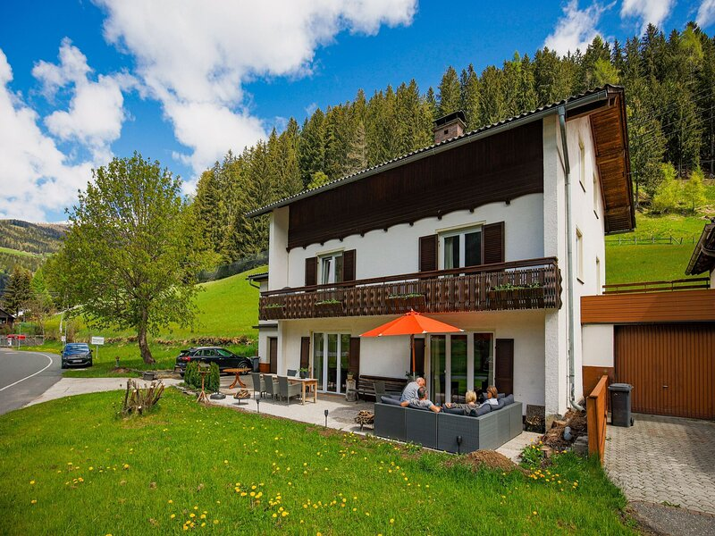 Charming Apartment in Patergassen near Ski and Hiking Area, holiday rental in Ebene Reichenau