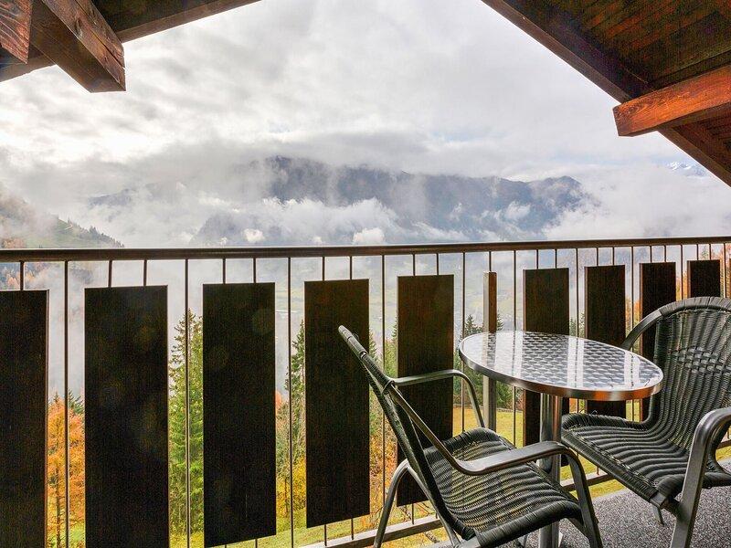 Mountain-view Apartment in Matrei in Osttirol with Garden, holiday rental in St. Jakob in Defereggen
