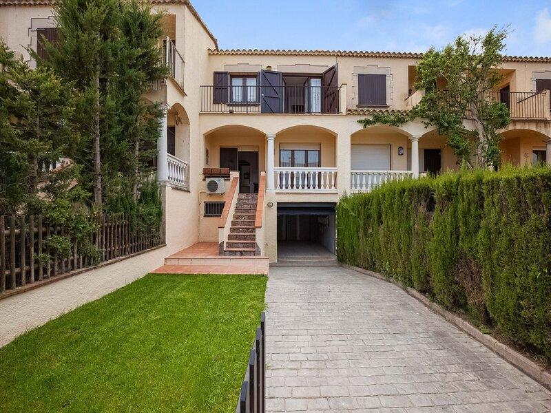 Nice house in Sant Pere del Pecador, vakantiewoning in Torroella de Fluvia