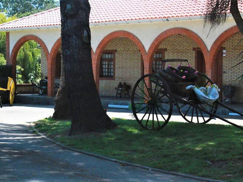 Traditional Villa in O Val, Narón with Pool, holiday rental in Valdovino