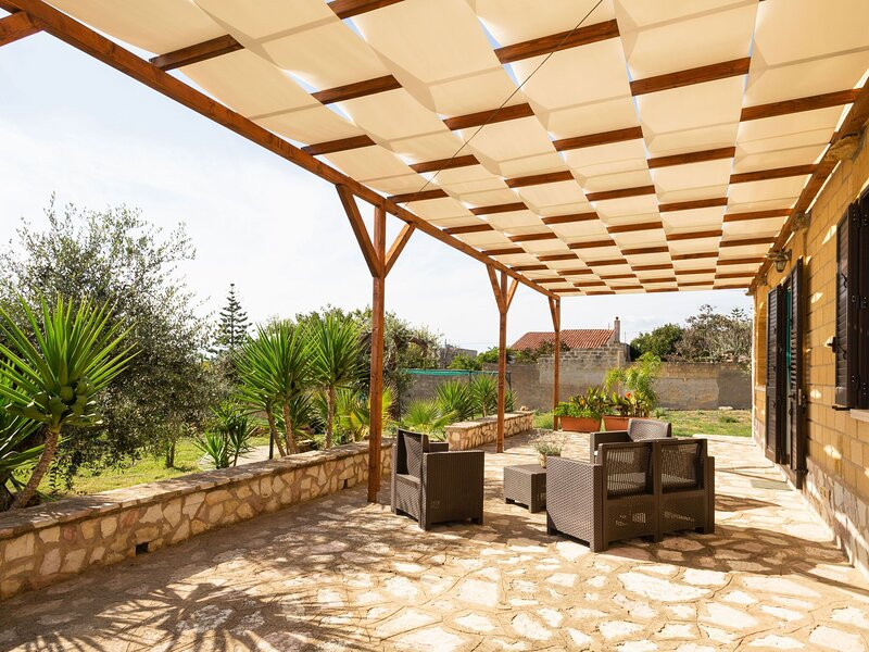Dreamy Holiday Home in Triscina di selinunte with Garden, alquiler vacacional en Triscina