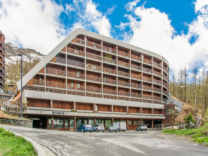 Cushy Apartment in Cervinia near Supermarket, aluguéis de temporada em Breuil-Cervinia