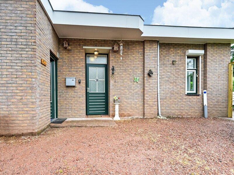 Charming Holiday Home in Putten with Garden, Ferienwohnung in Nijkerk