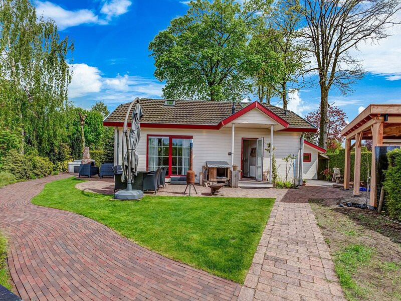 Tranquil Holiday Home in Voorthuizen with Private Garden, holiday rental in Voorthuizen
