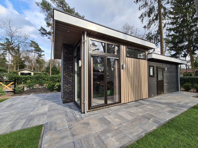 Modern house with dishwasher, in a nature reserve, location de vacances à Apeldoorn