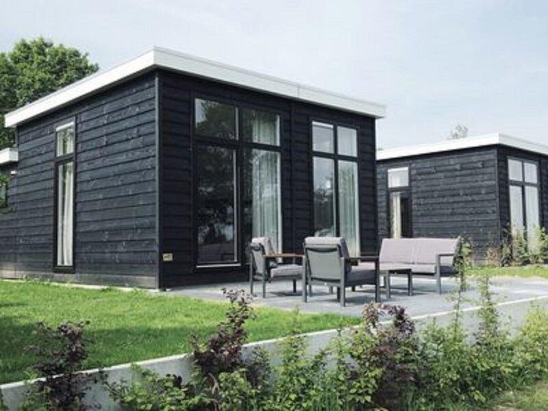 Nice accommodation with a dishwasher, in Twente, location de vacances à Zuna