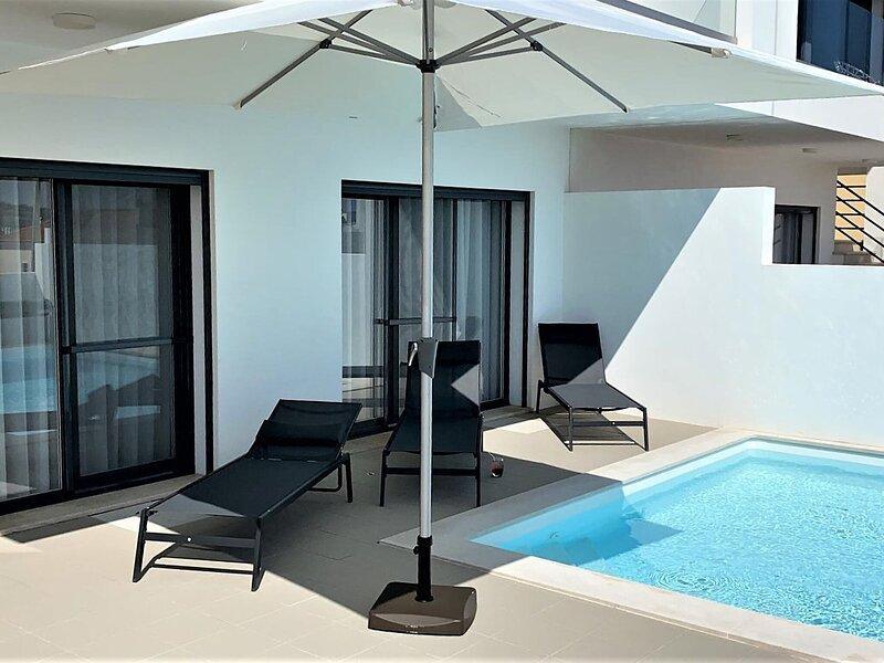 Ocean-view Holiday Home in Lourinhã with Private Garden, alquiler vacacional en Seixal