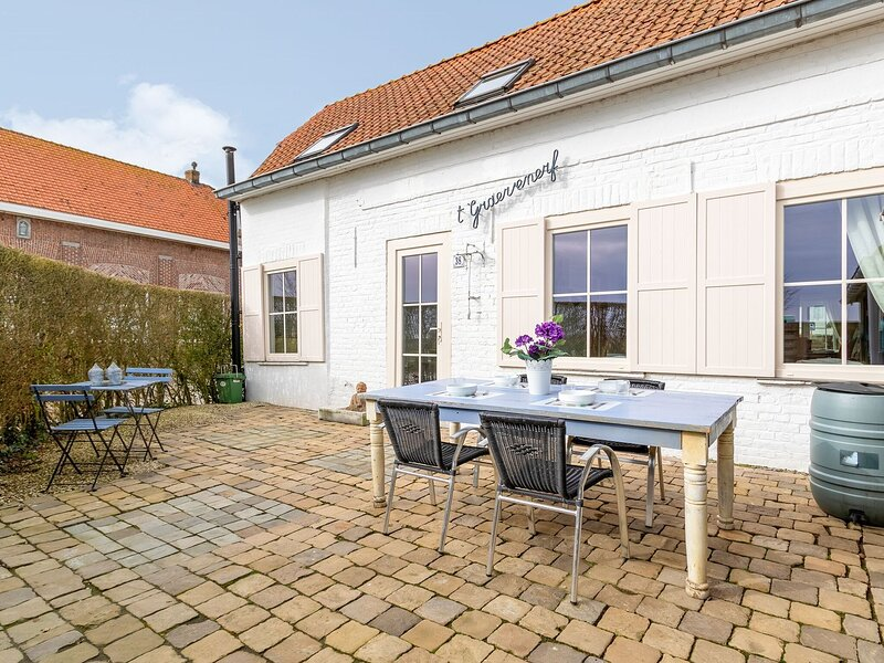 Cosy Holiday Home in Stavele with Terrace, location de vacances à Oostvleteren