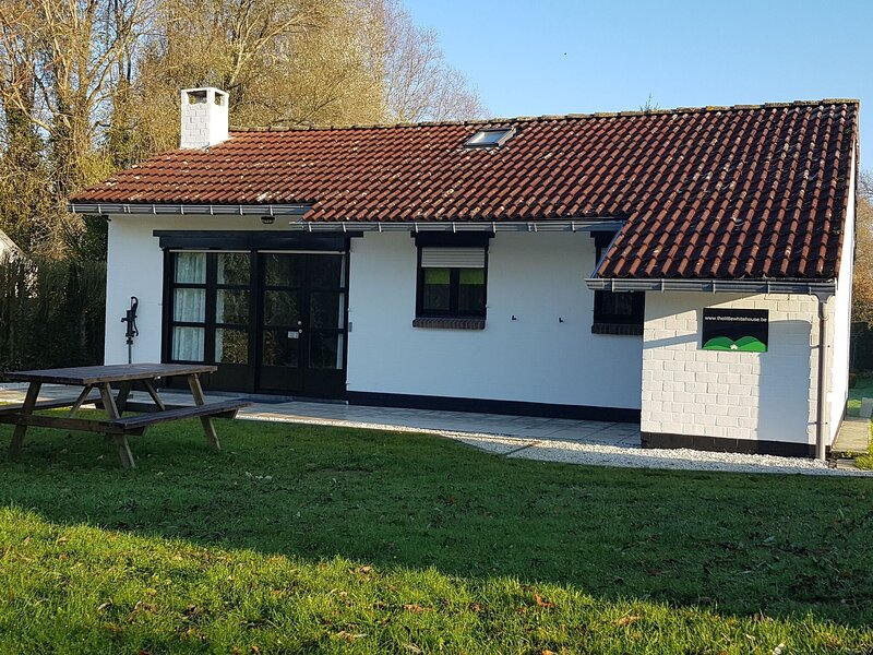 Inviting Holiday Home in Heuvelland with Garden, location de vacances à Sailly sur la Lys