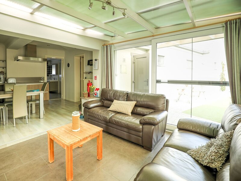 Comfy Holiday Home in Geetbets with Garden, holiday rental in Rillaar