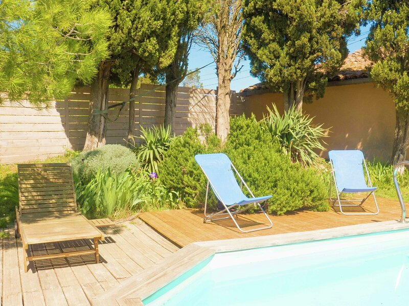 Stunning Holiday Home with Swimming Pool in Loupia, casa vacanza a Lauraguel