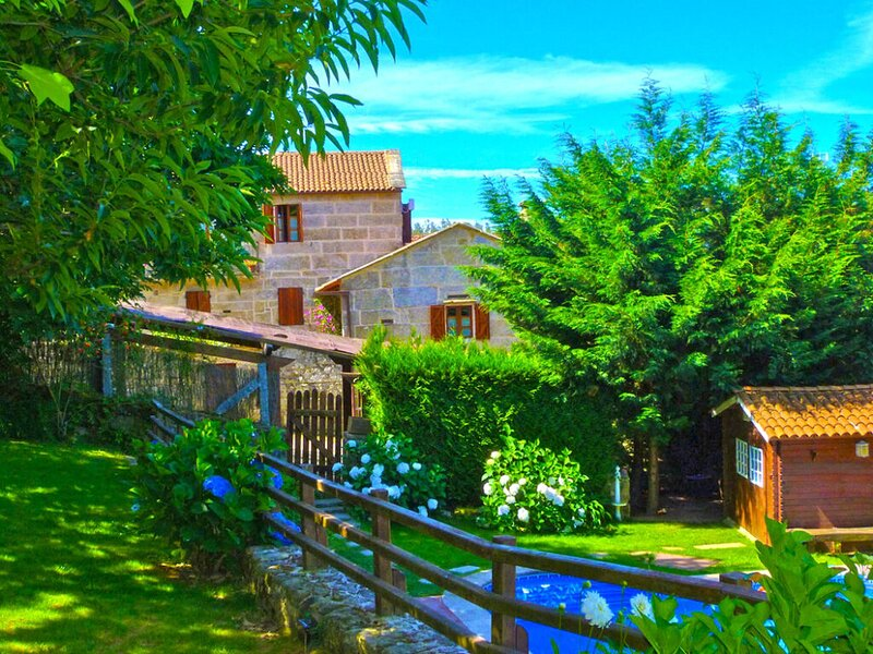 Exotic Mansion in A Lama with Private Pool near Beaches, vacation rental in Ricovanca