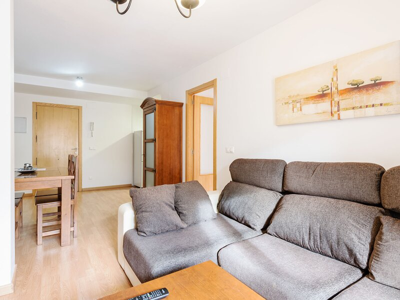 Pleasant Apartment in Gudar with Heating, holiday rental in Aliaga