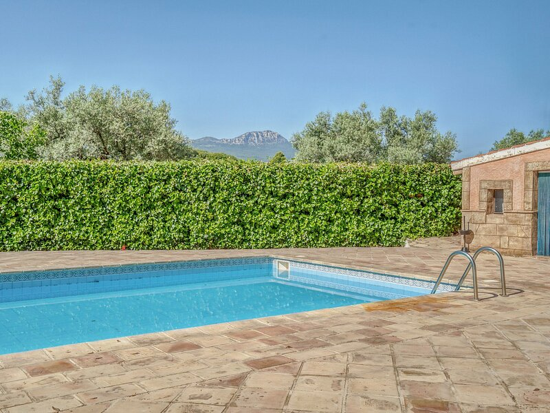 Secluded Holiday Home in Murcia with Swimming Pool, holiday rental in Caravaca de la Cruz