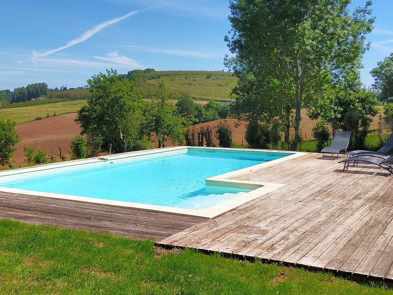 Charming Holiday Home in Coubejours with Private Pool, vacation rental in Sainte-Trie