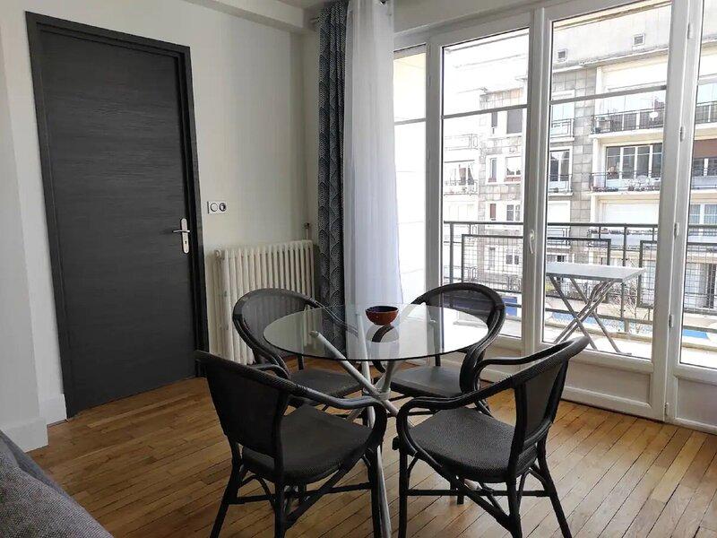 Premium Apartment in Charleville-Mézières near Centre, holiday rental in Nouzonville