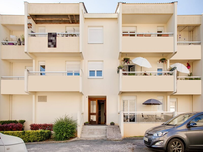 Attractive apartment in Chaumont with a balcony, holiday rental in Orges