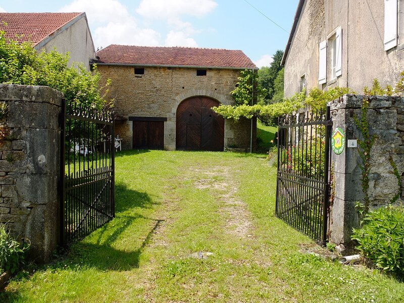 Beautifully decorated house near the forests in the Haute Saône, holiday rental in Noidans les Vesoul