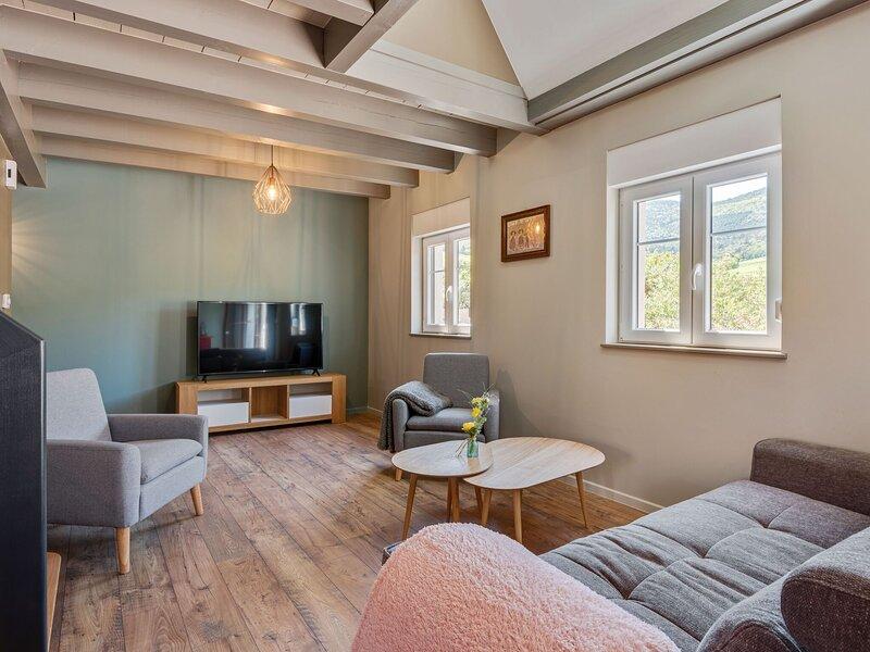 Pleasant Apartment in Dambach-la-Ville near Town Centre, Ferienwohnung in Sermersheim