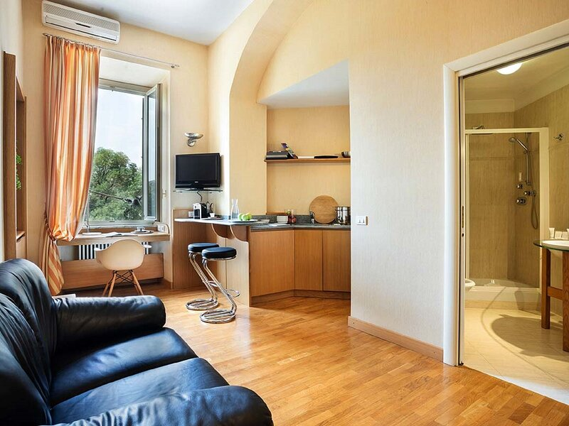 Appealing Apartment in Torino near Egyptian Museum, holiday rental in Piazzo