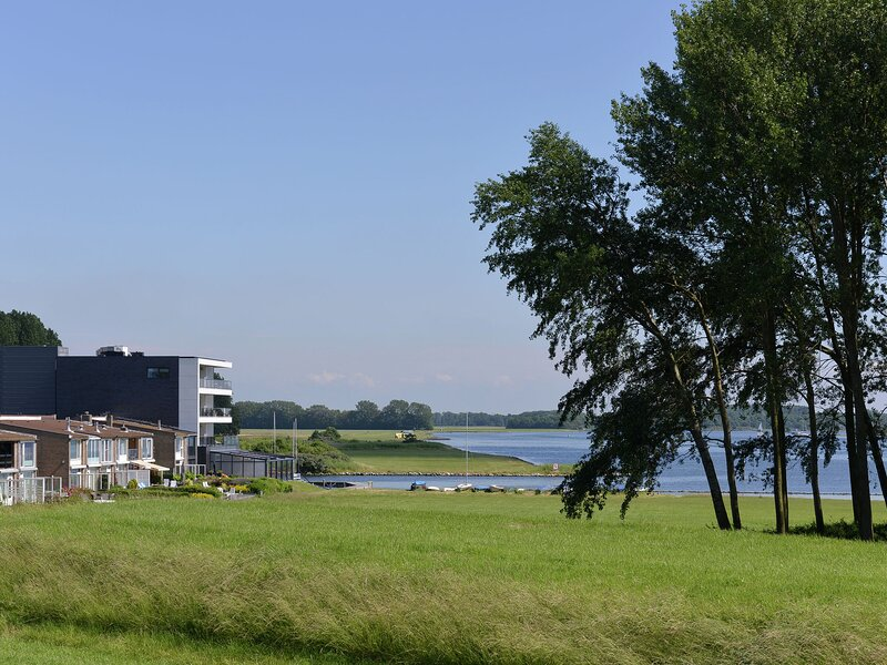 Spacious waterfront apartment, vacation rental in Veere